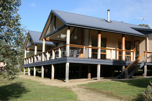 Yering Gorge Cottages - Two Bedroom Deluxe Cottage