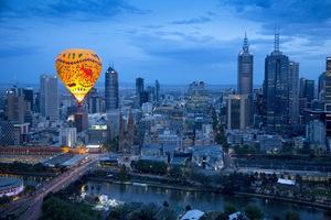 Melbourne Flight + Romantic Guided Boat Tour