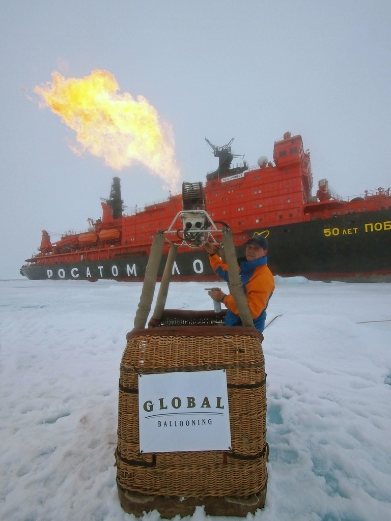 Global Ballooning travels to the North Pole