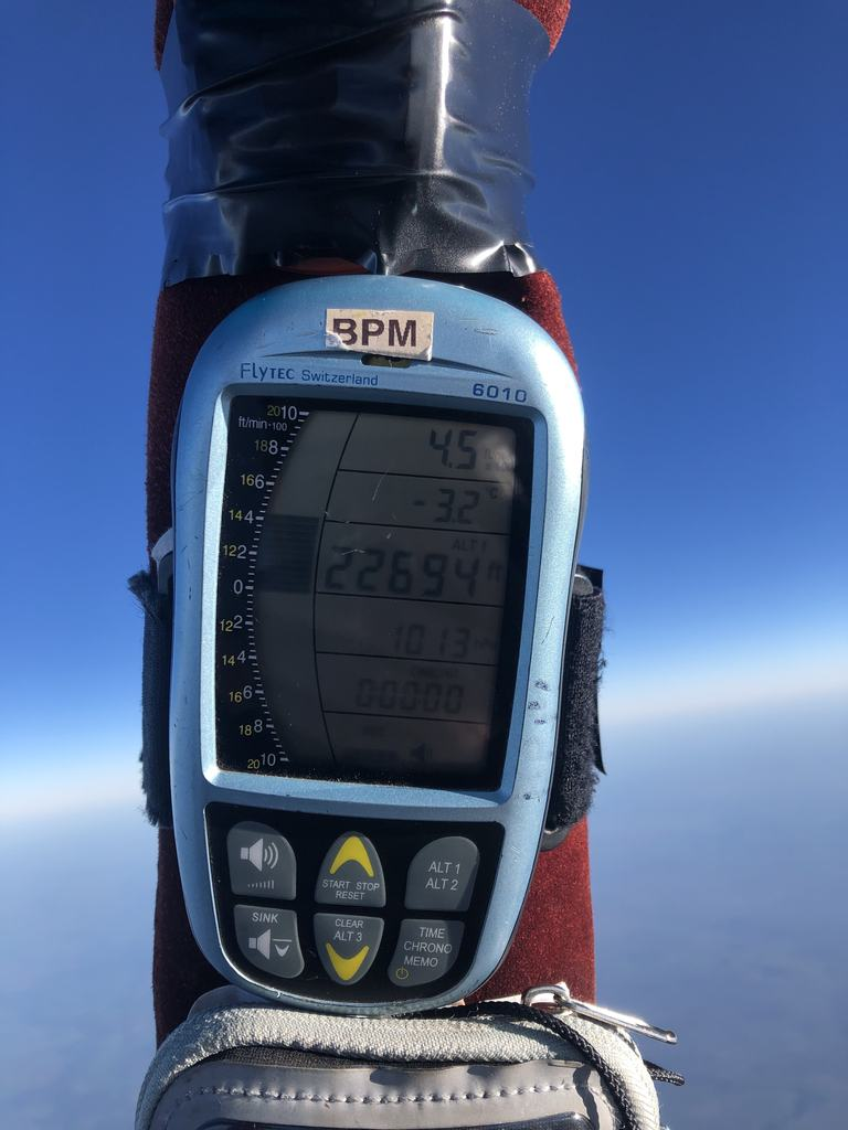 Scarlett achieves National Womens Altitude Record